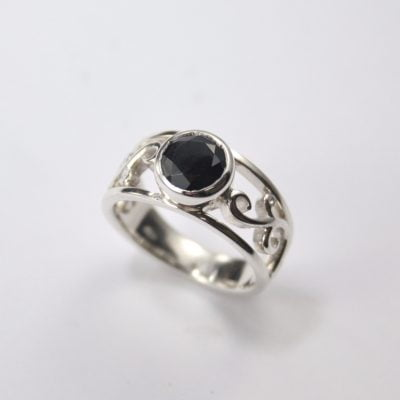 Palladium Silver Ring featuring a 7.10mm Round Cut Black Spinel. Reference Code:LJ-R188-C